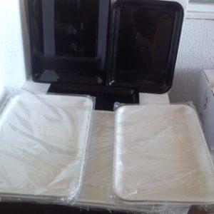 Bandejas mostrador blancas, negras